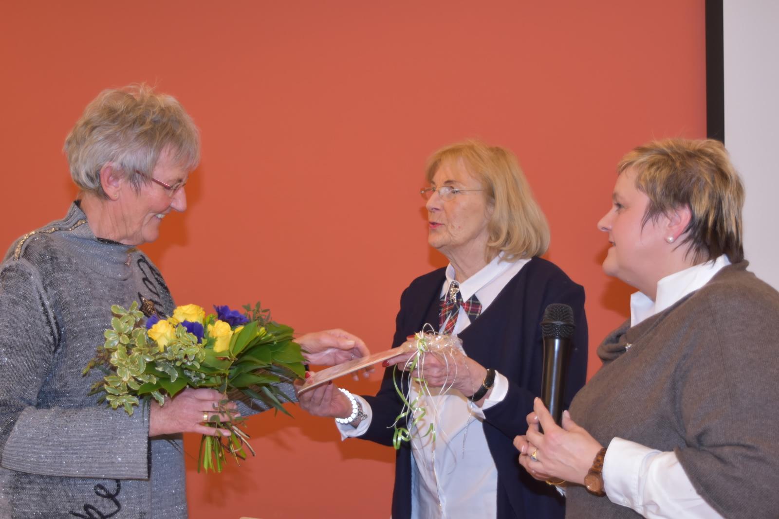 Verabschiedung auch aus dem Vorstand der Landfrauen Foto: Karin Johannsen