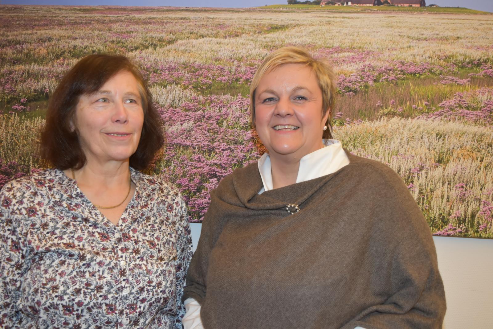 Die neue Schatzmeisterin Katharina Lorenzen und die Vorsitzende Sylke von Kamlah-Emmermann Foto: Karin Johannsen